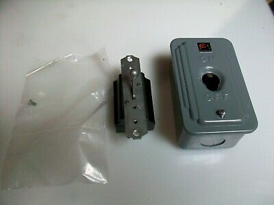 New Cutler Hammer Toggle Switch And Enclosure 9115H88