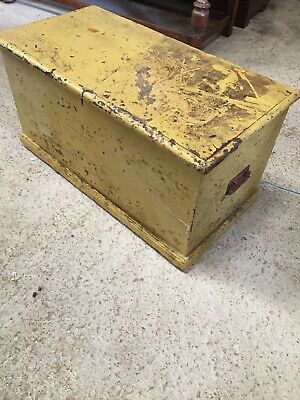 Vintage Old Pine Trunk Box Storage Blanket Painted Chippy Paint Yellow    16/9/R
