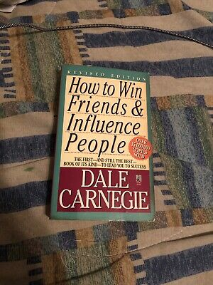 HOW TO WIN FRIENDS AND INFLUENCE PEOPLE by Dale Carnegie (Paperback, 1981)