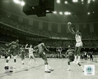 "MICHAEL JORDAN UNC ""1982 NCAA winning shot"" North Carolina Tar Heels 8x10 photo"