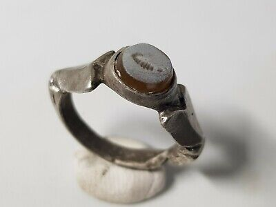 ROMAN SILVER RING WITH INTAGLIO   2nd,3rd  Century AD