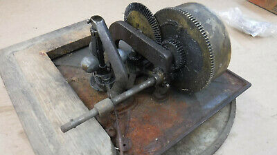 Early Victor Talking Machine Motor, Turntable, and Brake MT-3512