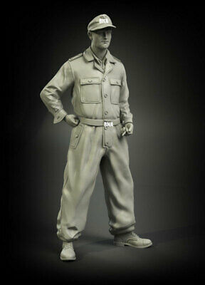 Panzer Art 1//35 German Waffen-SS Tankers in Camo Coveralls WWII 2 Fig FI35-003