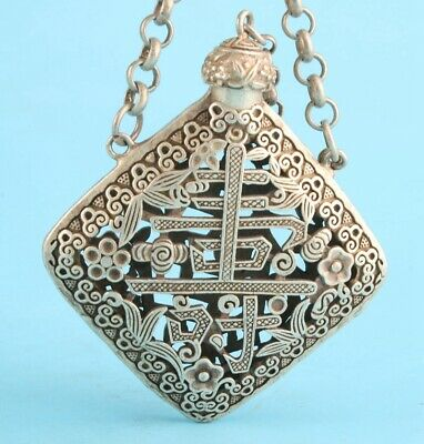 Unique China Tibetan Silver Hand-Carved Snuff Bottle Pendant Collection Old Gift