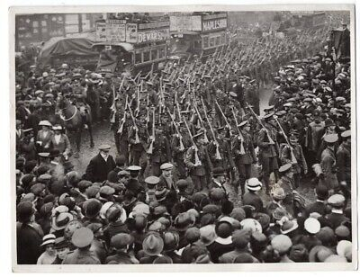 WWI Londoners Welcoming British Troops at Commercial Road London News Photo