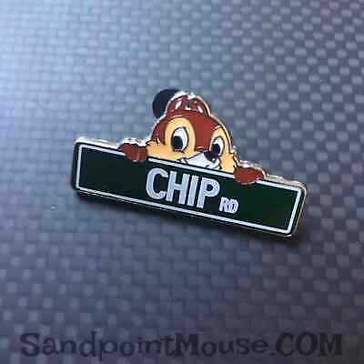 Disney Streets Parks Street Signs Chip Rd. Pin (UX:113668)