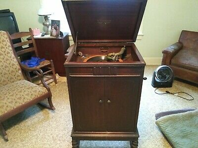 Victrola vv4-7 / Victor Talking Machine Company - working condition