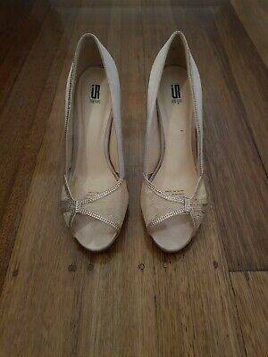 Bride or bridemaide Shoes Size 8