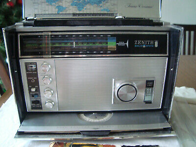 Zenith Royal Royal 7000  Trans-Oceanic Transitor Radio. Working Good