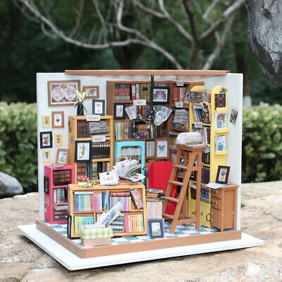 Rolife Miniature Wooden Bookshop Dollhouse Furniture LED Miniature Gift for Girl