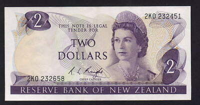 New Zealand - ERROR Note. P-164c $2. Mismatched Serials : 2KO 232658/232451. UNC