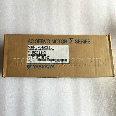 1pc new Yaskawa Servo Motors SGMPS-04A2E2S free shipping SGMPS04A2E2S