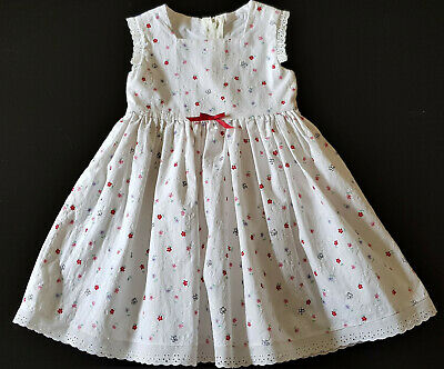 VINTAGE HANDMADE DRESS for TODDLER / LITTLE GIRL - WHITE with LITTLE FLOWERS