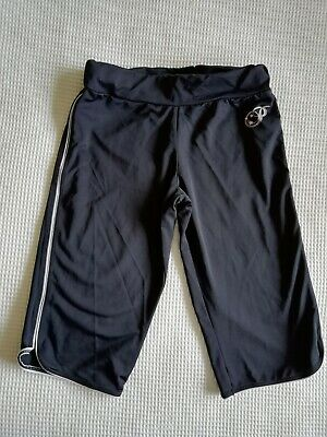 Girls black PINEAPPLE 3/4 length trousers age 9 years good condition