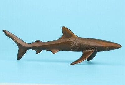 Unique Chinese Bronze Solid Shark Statue Hand-Carved Mascot Gift Collec