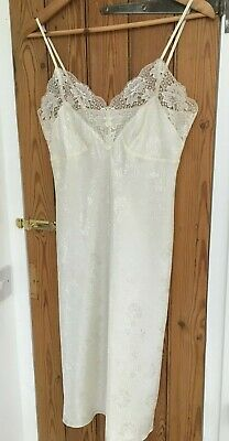Bnwot Vintage M&S Ivory Knee Length Lace Trimmed Petticoat Slip Size 12