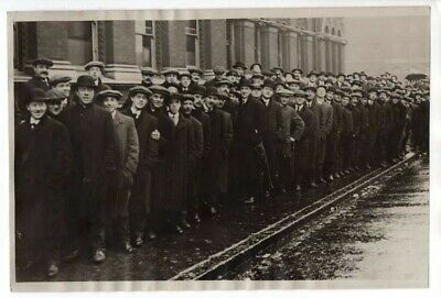WWI Crowd Outside East End Recruiting Office London 6x9 Original News Photo