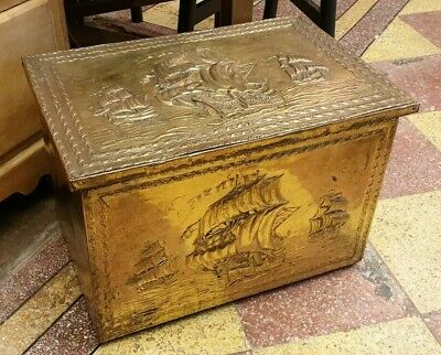 COAL SCUTTLE BOX BUCKET VINTAGE 1960s BRASS WOOD HINGED SPINNEY
