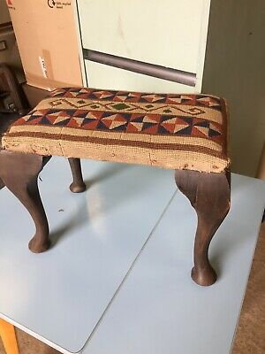 Old Vintage Foot Stool Footstool Traditional Style Wood Legs Tapestry 28/10/E