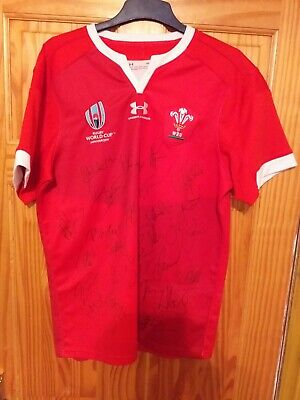 Wales Replica Rugby World Cup Shirt 2019 signed by World Cup squad in Japan