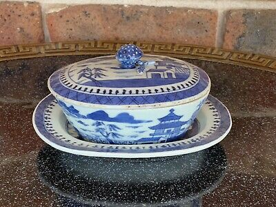 Chinese Qing Dynasty Blue And White Porcelain Dish