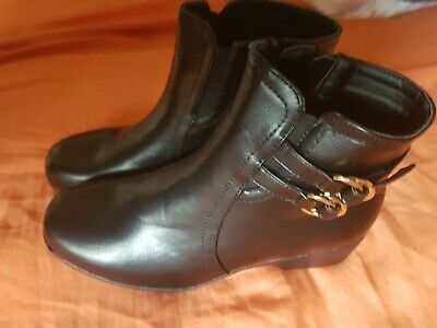 Ladies Soft Feel Black Leather Upper Ankle Boots 7/40 size