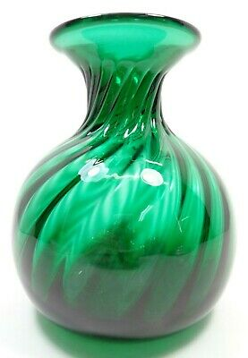 VINTAGE 1960s HAND BLOWN ART GLASS EMERALD GREEN VASE R.O.C. MADE IN TAIWAN