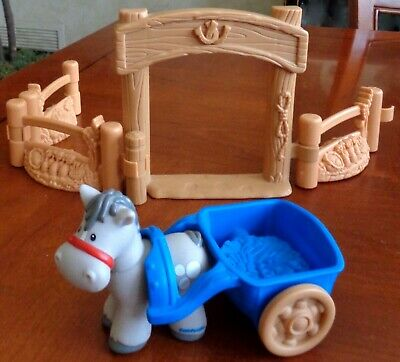 Fisher Price Little People Farm Lot HORSE WITH CART AND GATES Pretend Play Toys