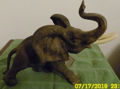 Amazing Detail Elephant by Alibastra Excellent Condition With 1995 Tag