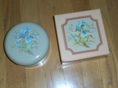 NEW IN BOX Avon ARIANE BEAUTY DUST POWDER w/ IRIS FLOWER CONTAINER & PUFF, NIB