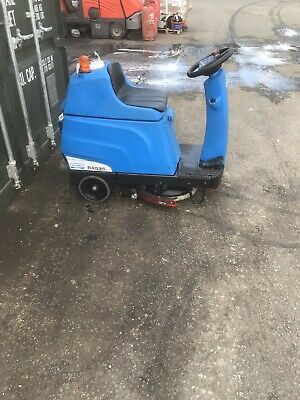 Ride On Scrubber Dryer Floor Cleaning Cleanfix RA535 IBCT