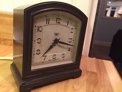Working Smith sectric clock bakelite art deco 20/30's Mains electric England Vgc