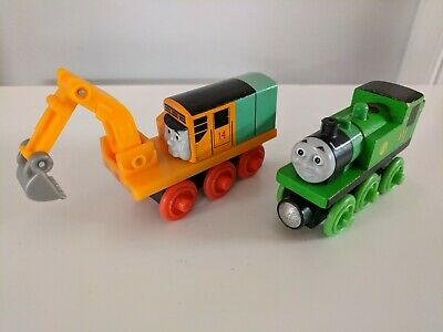 Thomas the Tank Engine and Friends wooden trains - Oliver & Oliver's crane