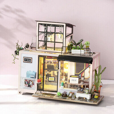 Rolife DIY Wooden Miniature Dollhouse Furniture Kits Handmade Crafts Toy 1:24
