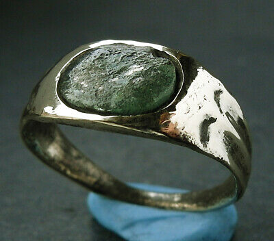 A complete genuine ancient Roman bronze ring - Found near Lincoln