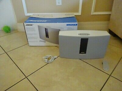 Bose SoundTouch 30 Series III Wireless Music System - White VERY GOOD IN THE BOX