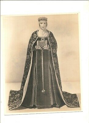1930s type 1 photograph doll Queen Isabel of Spain