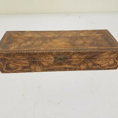 ANTIQUE CARVED PYROGRAPHY FLEMISH FOLK ART DECORATIVE WOODEN HINGED BOX Cherries