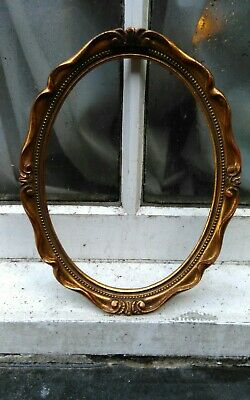"""VINTAGE SWEPT GOLD GILT PHOTO  PICTURE OVAL FRAME 8 1/2""""""""W x 10 7/8""""D (B)"""