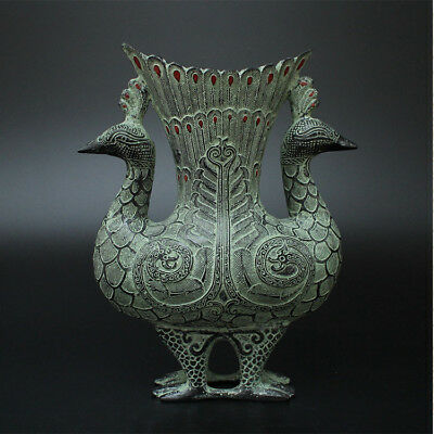 Oriental culture Old Decorated Wonderful Handwork Bronze Carving Peacock Vase