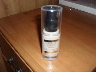 Max Factor Miracle Match Blur & Nourish Foundation LIGHT IVORY 40 30ml SEALED
