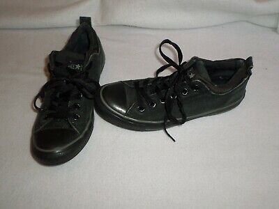 Kids unisex black Converse canvas low top trainers - size UK 5 - great condition
