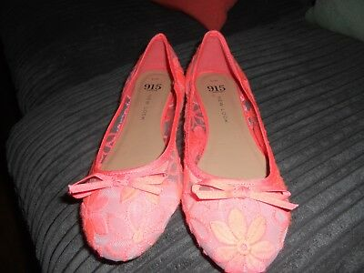 New Look 915 Shoes Size 4