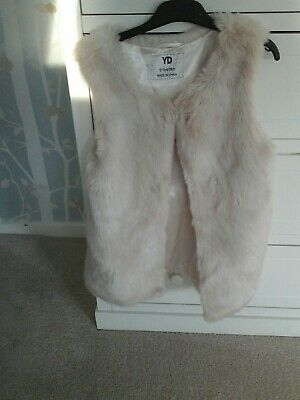 girls fur grey  gillet waistcoat  to fit age 12/13  YD EXCELLENT CONDITION