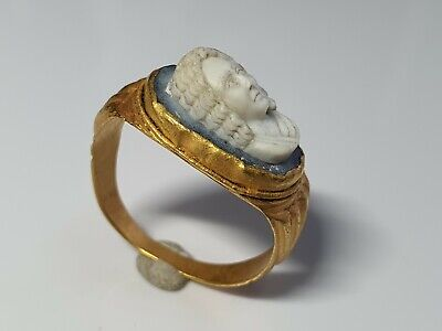 ROMAN GOLD RING WITH CAMEO  2nd  Century AD