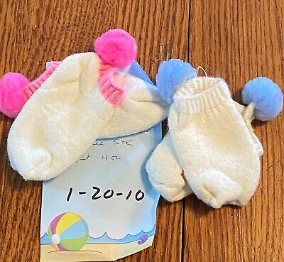 NOS 2 Pr Vtg 80s  Baby Unmarked White Cotton Terry Lined Footie Socks Pom Poms