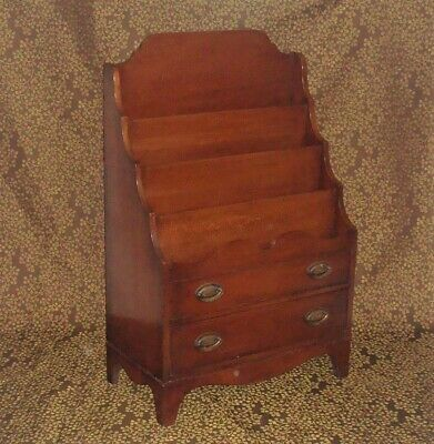 Hekman Mahogany Canterbury Magazine Newspaper Pamphlet Section Holder Rack Stand