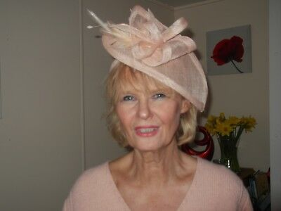 Fascinator  Wedding,Races,Ascot,Hat nude pink feather mother the Bride hair band