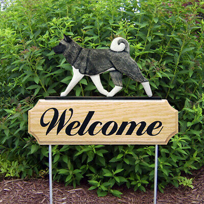 Akita Wood Welcome Outdoor Sign Gray