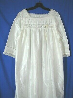 CHRISTIAN DIOR Slippery Ivory VTG FRILLY NIGHTGOWN Lace Trim FLANNEL BACKING L